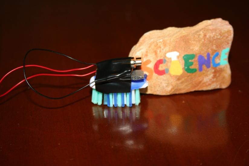 DIY Toothbrush Robot