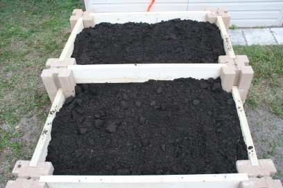 DIY Two Tiered Raised Garden Bed (46)