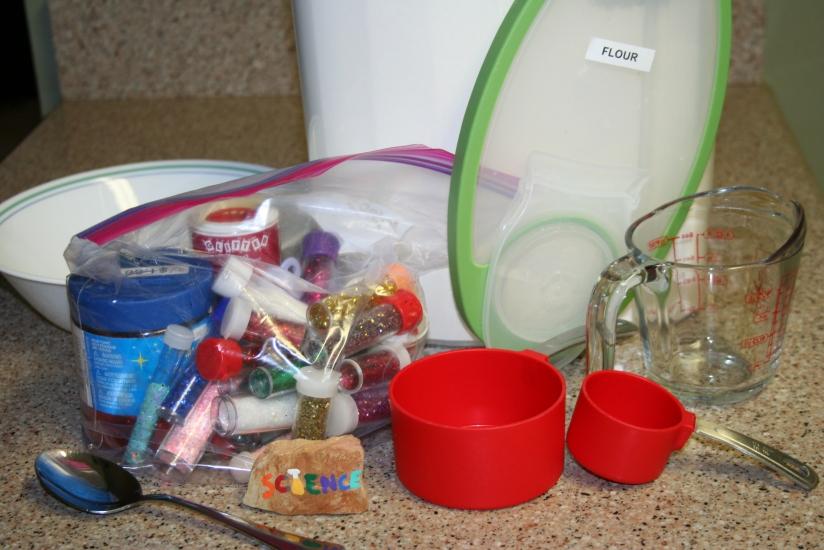 DIY Glitter Play-dough (11)