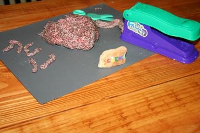 DIY Glitter Play-dough (62)