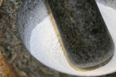 DIY Chalk from Eggshells (11)