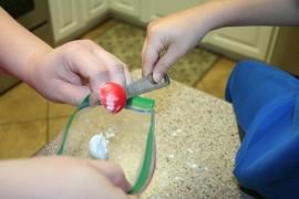 DIY Chalk from Eggshells (17)
