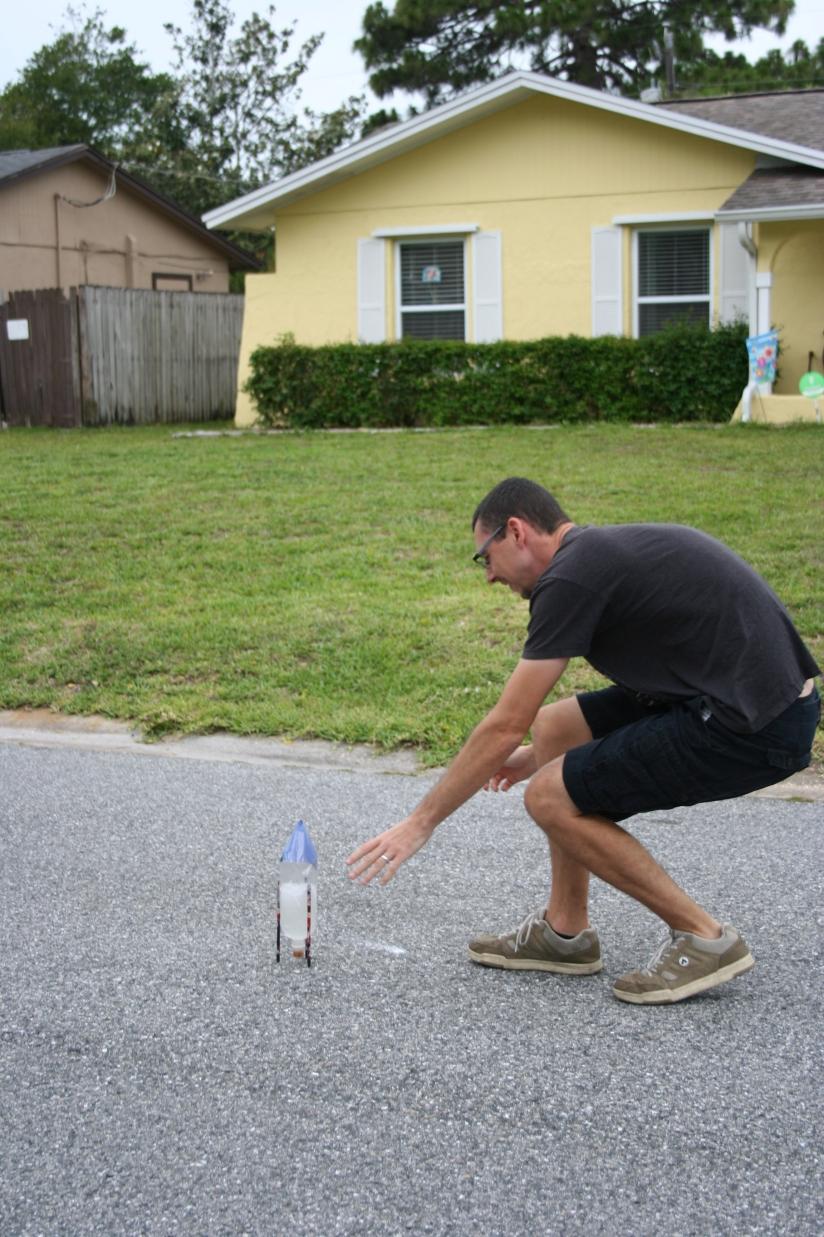 DIY Soda Bottle Rocket (33)